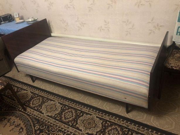 Продам кровать 400 руб