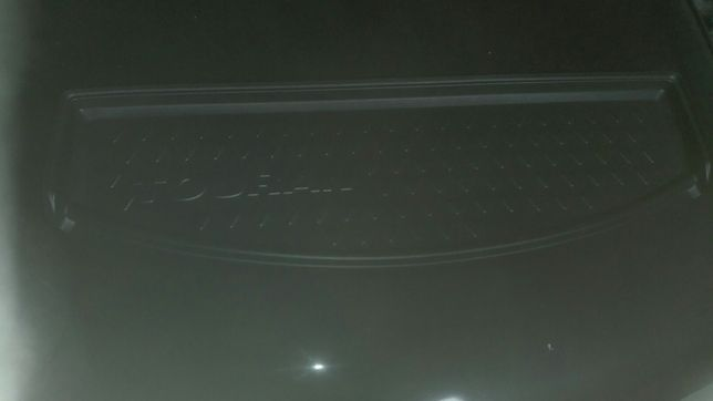 Mata bagażnika VW Turan NOWA