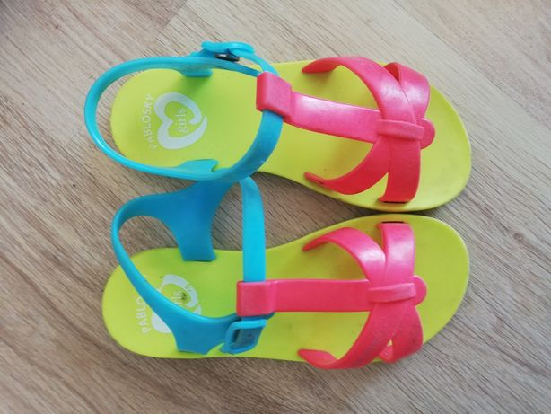 Sapatilha, sandalias, pantufas31-33