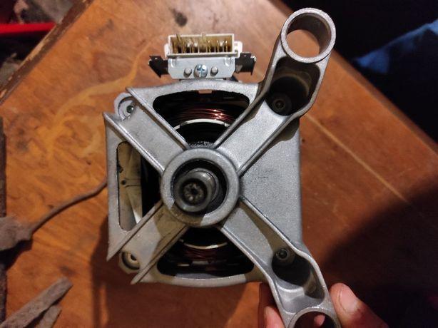 Продам новый двигатель  со стиральной  машины