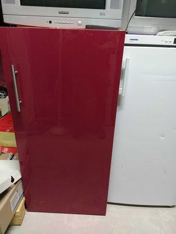 Холодильник встроика  Siemens
