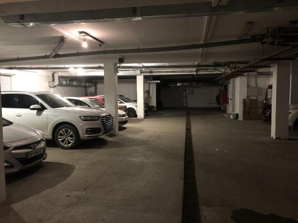 Продам место на паркинге от собственника