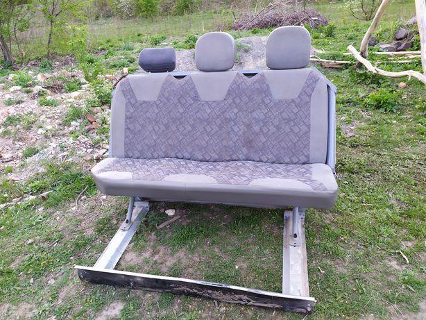 Сиденье Сидіння (диван) Опель Віваро