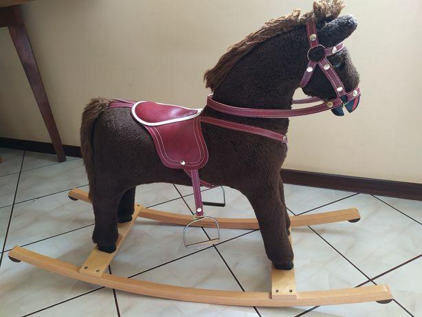 Koń na biegunach duży