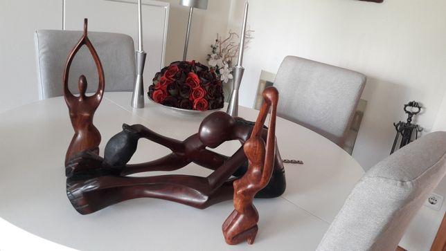 3 estatuetas em madeira