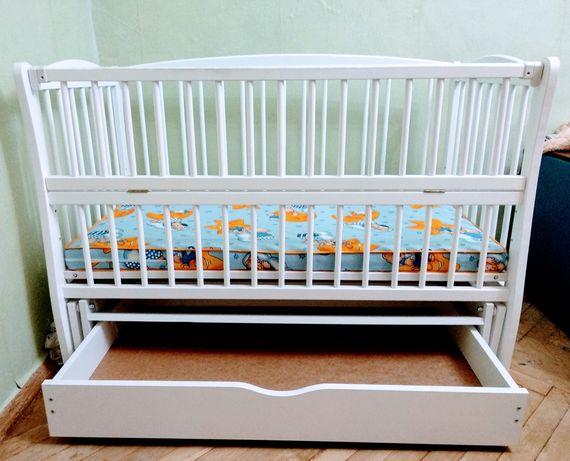 Детская кроватка, матрас + подушка для кормления, балдахин