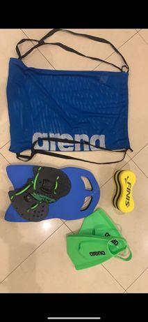Saco com equipamento completo de natação