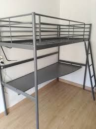 Cama solteiro da IKEA com o tampo de secretária. Novo custou 250€