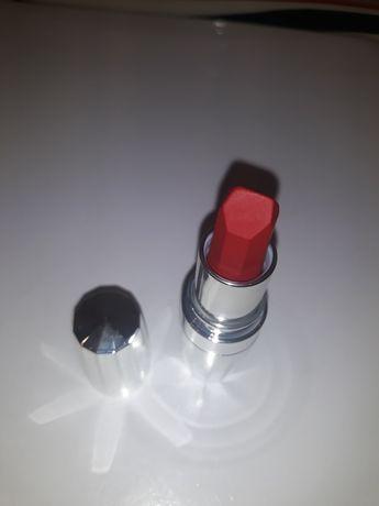 Avon szminka Legendary