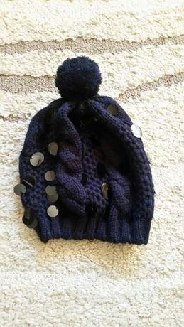 Granatowa czapka z cekinami
