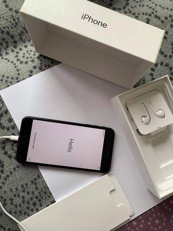 Sprzedam piękny i sprawny iPhone 7