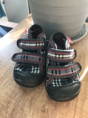 Buty rozm 18 kapcie sandały