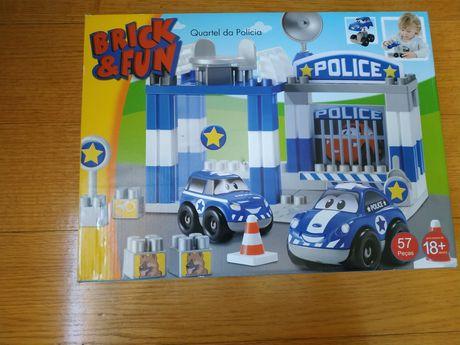 """Lego """"brick & fun"""" esquadra de polícia"""