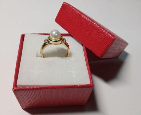 Delikatny złoty pierścionek próba 585. Idealny na prezent !!