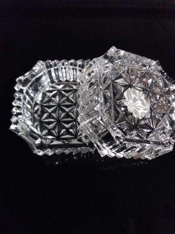 Guarda jóias e tacinha porta-velas em cristal.Estado novo