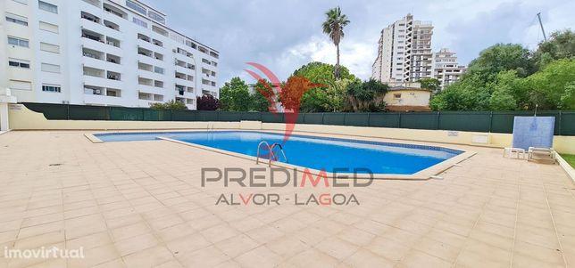 Apartamento T1, condomínio com piscina e Vista Mar
