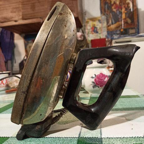 Продам утюги 1958 и 1959 гг