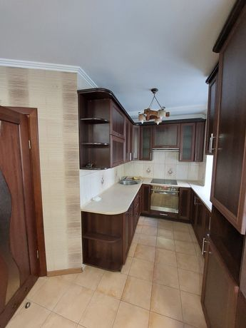 Продаж двохкімнатної квартири.