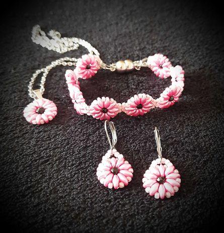 Komplet Biżuterii z koralików kwiatki
