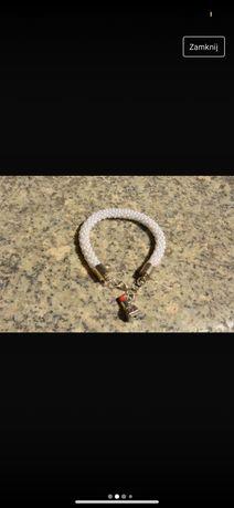 bransoletka biała szminka zawieszka