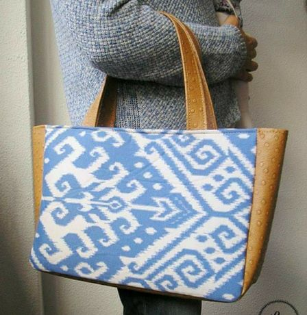 Mala artesanal. Ecopele e tecido tribal azul. Nova