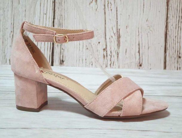 Рожеві босоніжки. Жіночі босоніжки на каблуку р.37. Недорого