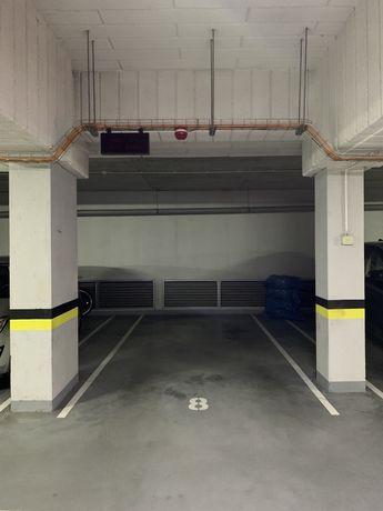 Miejsce postojowe w garażu podziemnym ul.Zwycięska