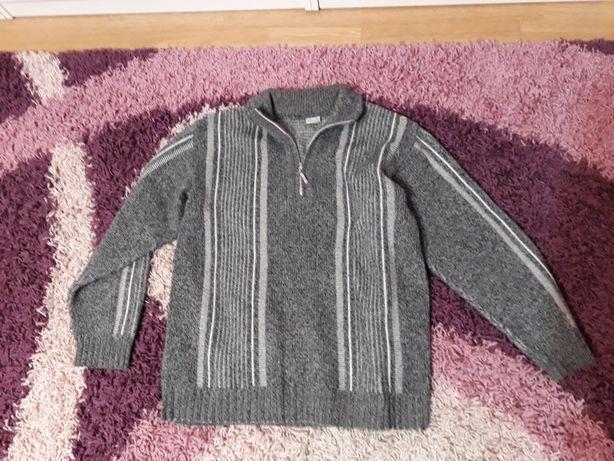 Ciepłe swetry w rozmiarze L