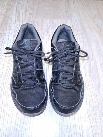 Кроссовки на подростка р.40, стелька 26 см