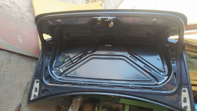 продам крышку багажника Volkswagen Jetta 5, с 2005 до 2009 года