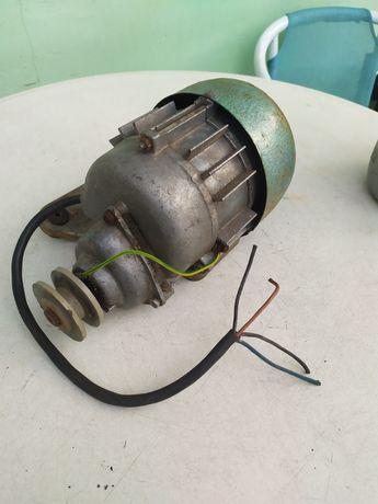 Редукційний мотор з Німеччини