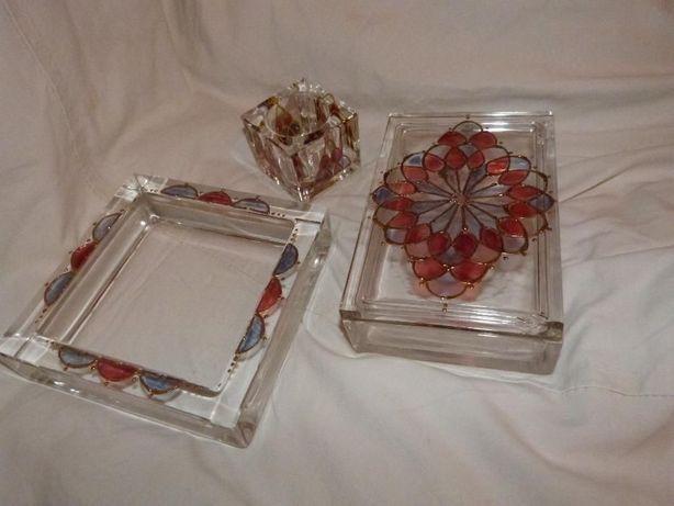Conjunto em cristal com desenhos tipo vidros de vitral