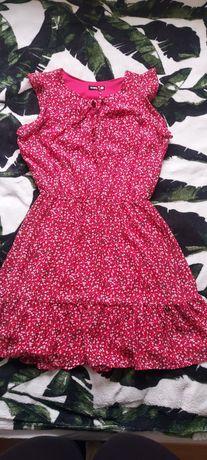 Czerwona sukienka w kwiatuszki roz. XS