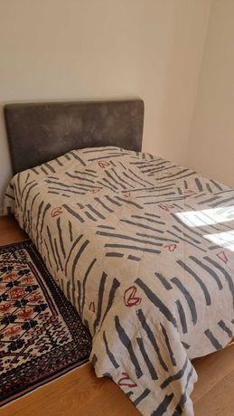 Cama de 1,40 (sommier + cabeceira) com colchão