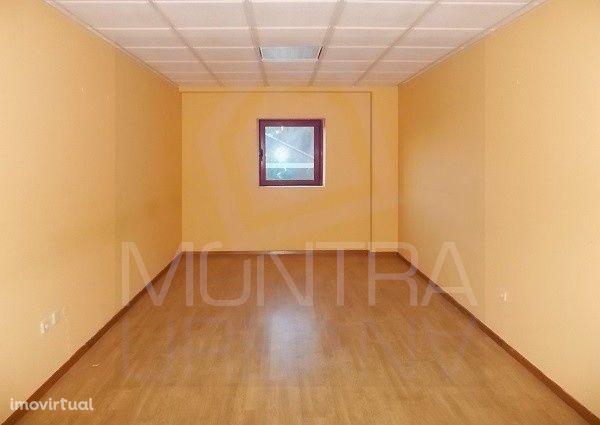 ESCRITÓRIO (31 m2) - 1º Andar, Sala 105 - TORRE BRASIL - JUNTO ao PARQ
