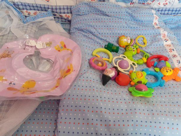 Круг для купання немовлят + подарунок
