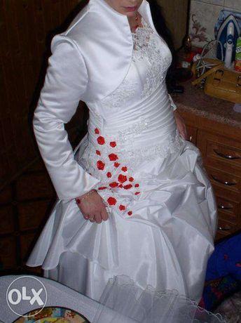 Piękna i oryginalna suknia ślubna z motywem różyczek r.38