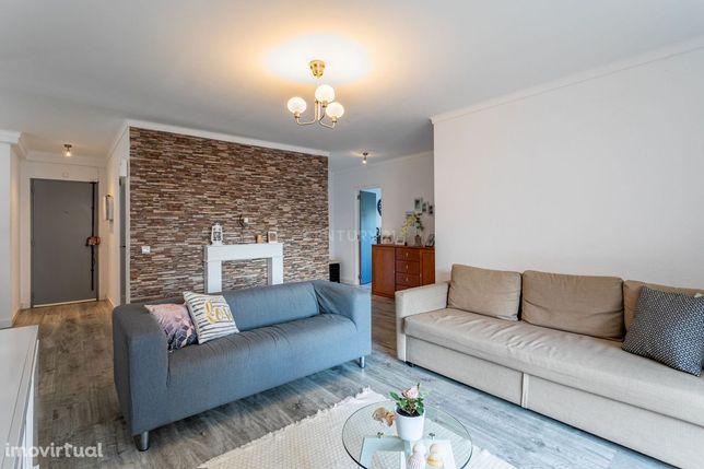 Apartamento T3, para venda, com excelentes áreas na Castanheira do Rib