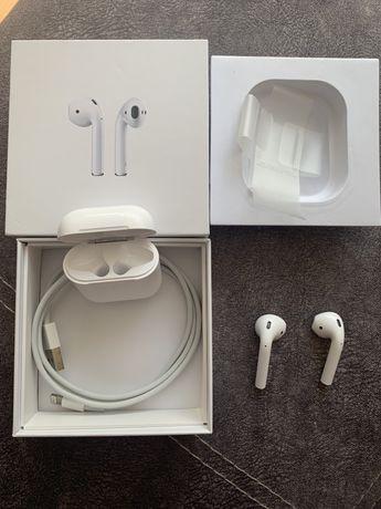 Apple Airpods 2 в идеальном состоянии