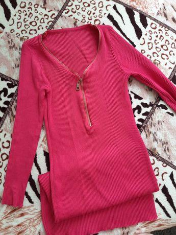Платье в рубчик малинового цвета
