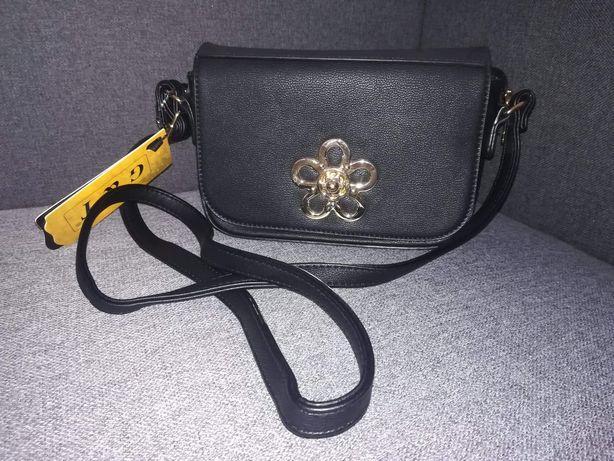 Nowa torebka mała czarna, zapinana