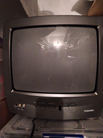 Tv Toshiba pequena