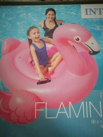 Flamingo insuflável