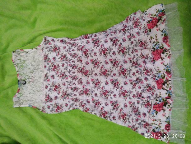 Продам красивые  платья размер S