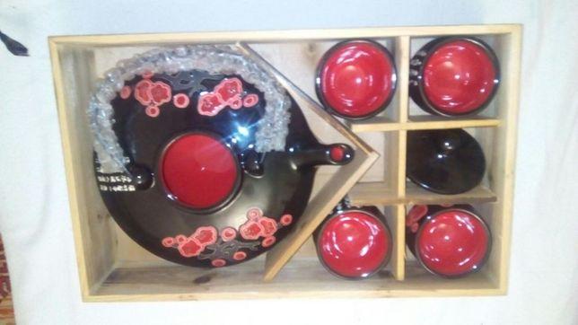 Чайный сервиз в китайском или японском стиле