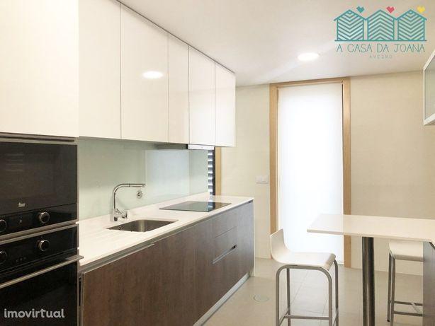 T2 Novo + Garagem Fechada - Aveiro Centro (Glicínias/Hosp...