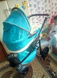 Детская коляска в нормальном состоянии после одного ребенка