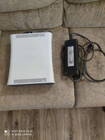 Xbox 360 z dyskiem 60 GB Uszkodzona