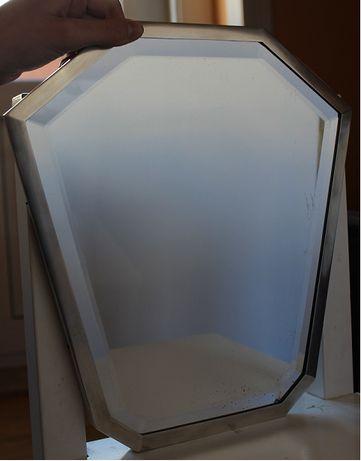 Espelho de mesa com moldura facetada em prata lisa - 1ªmetade sec XX