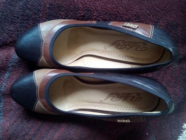 Туфли на высоком каблуку